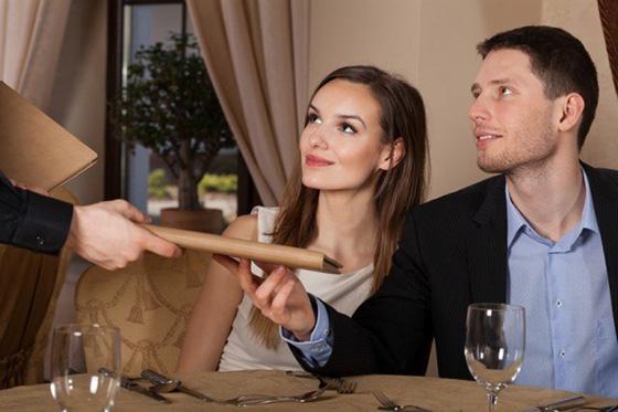 как продавать официанту и общаться с клиентами